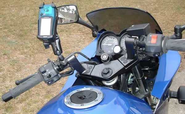 RAM UBolt Mount with Garmin eTrex Legend on a Kawasaki Ninja
