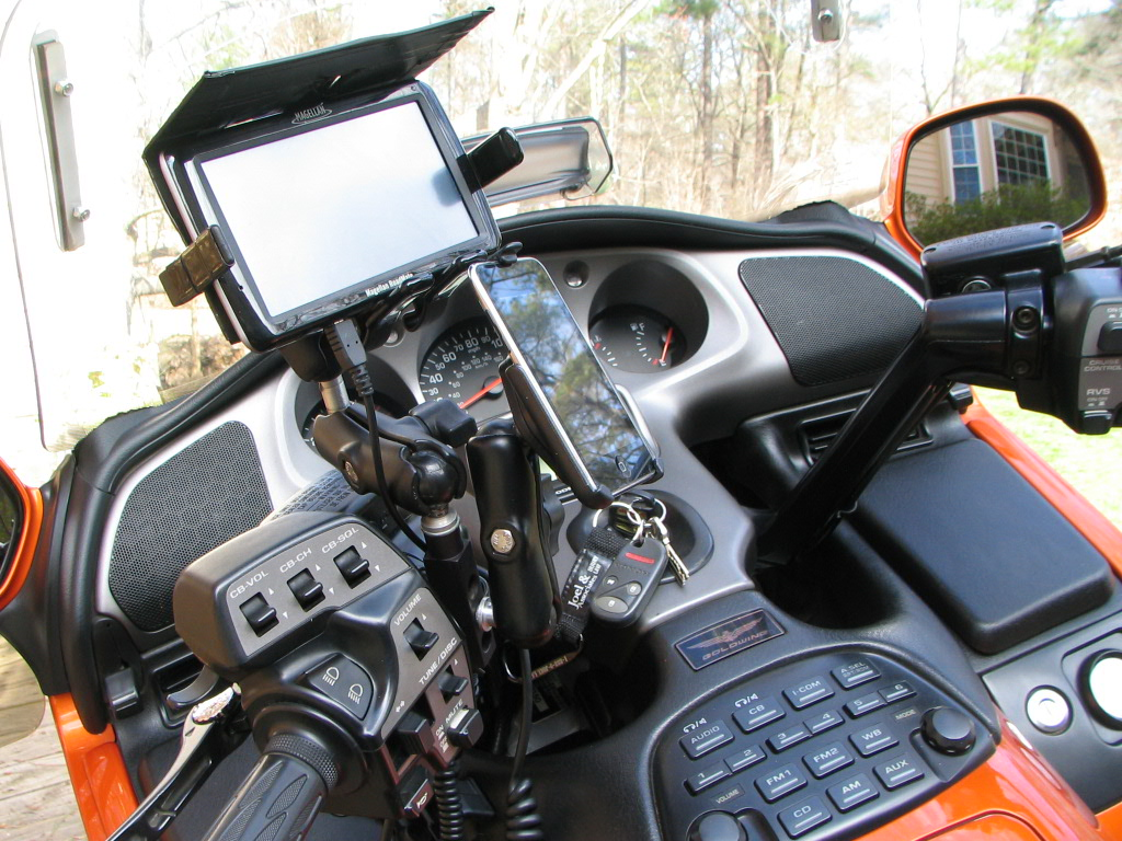 Best Bike Phone Mount >> Centre Cover Base for Goldwing RAM-B-345U - RAM Mount ...