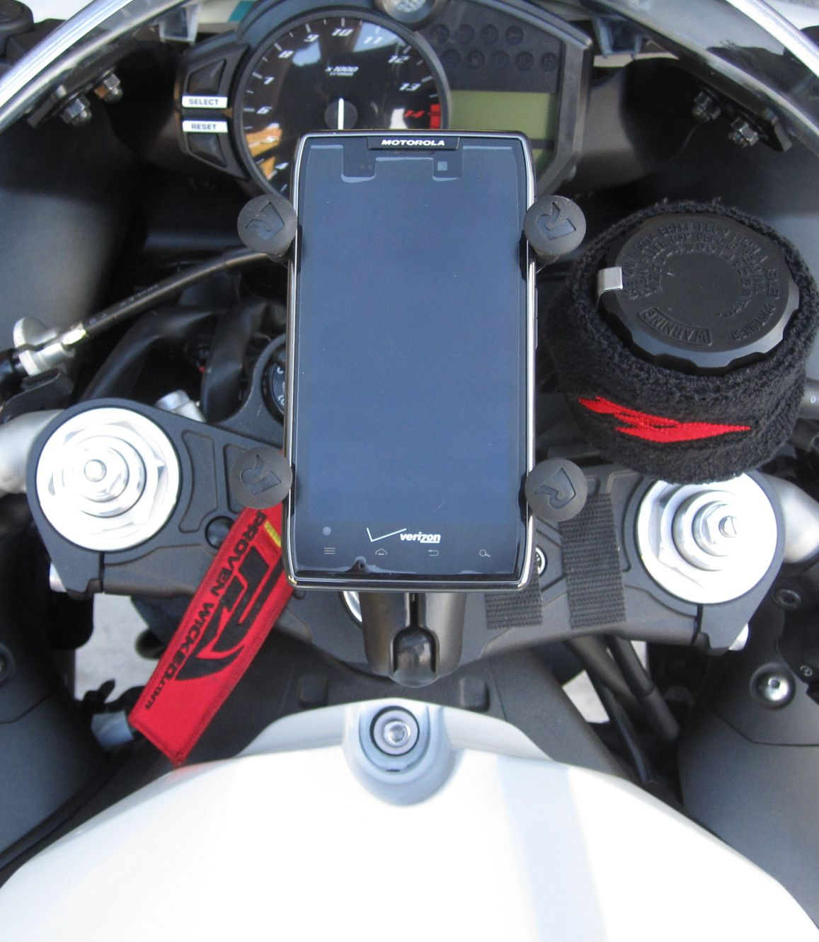 2010 YAMAHA R1  X GRIP WITH CELL PHONE MOUNT